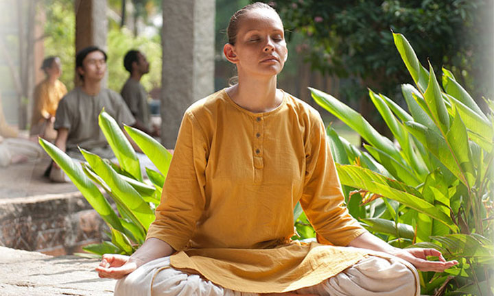 Shanmukhi Mudra - Beautifying Kriya